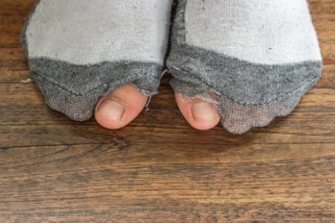 φοράς το ίδιο ζευγάρι κάλτσες