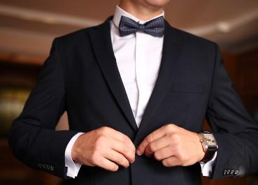 αξεσουάρ για να επιλέξεις στο κοστούμι σου για ένα γάμο