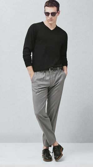 Μαύρη μπλούζα γκρι παντελόνι
