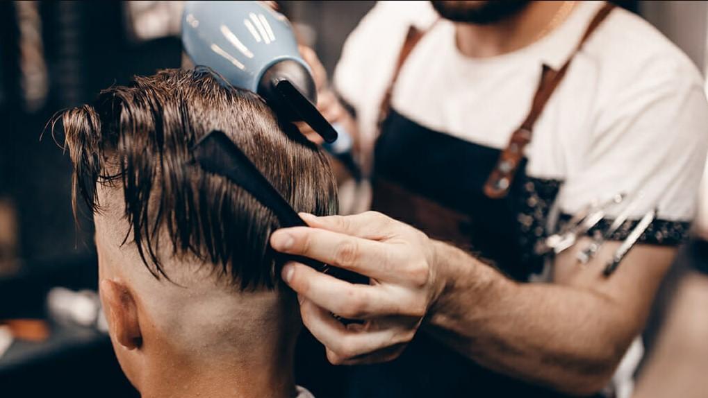 άνδρας κούρεμα για υγιή μαλλιά