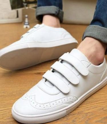 παπούτσια με αυτοκόλλητα
