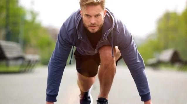 άντρας άθληση