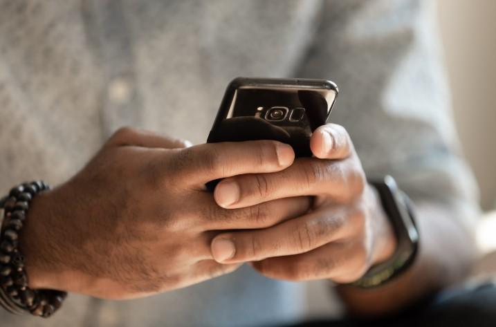 περισπασμοί στην εργασία-κινητό