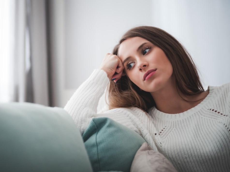 3 πράγματα που δεν ξέρεις για το πως σκέφτεται η γυναίκα σου, δεν μπορεί να κλείσει ένα θέμα στο μυαλό της