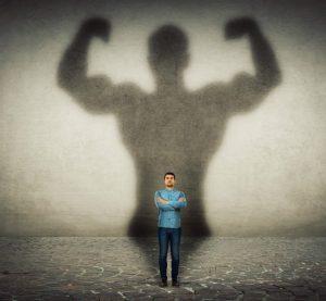δυνατός άντρας σκιά