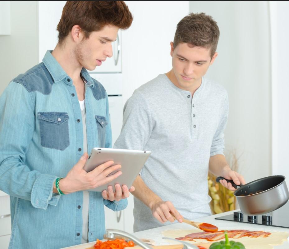 πως να περάσεις όμορφα το χρόνο σου στο σπίτι, με τη μαγειρική
