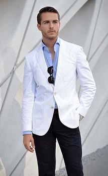 λευκο σακακι μαυρο παντελονι