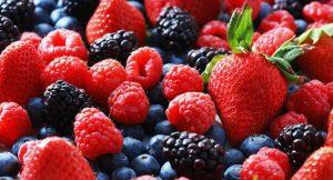 berries βατόμουρα φράουλες τροφές άντρες