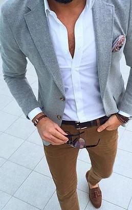 καφε καμελ παντελονι με γκρι σακακι