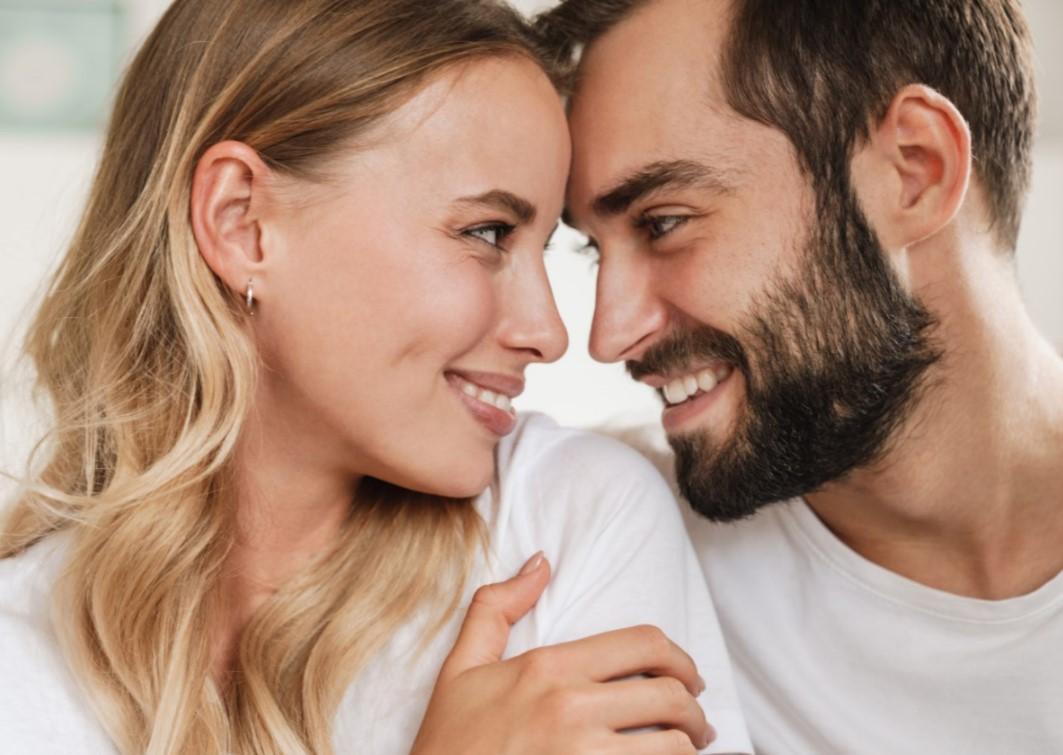 Κάνε την γυναίκα σου να χαμογελάσει παρά να το ζητάς