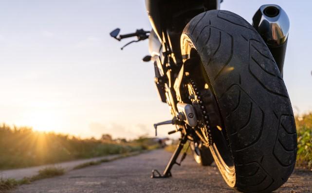 εξειδικευμένος καθαρισμός εξαρτημάτων μοτοσυκλέτας