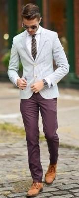 γκρι λευκο σακακι με μοβ-μπορντοπαντελονι