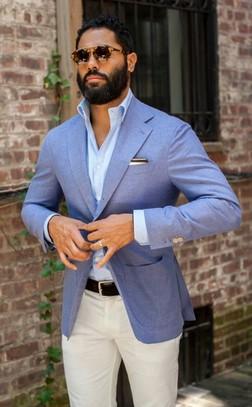 μπλε γαλαζιο σακακι με μπεζ λευκο παντελονι