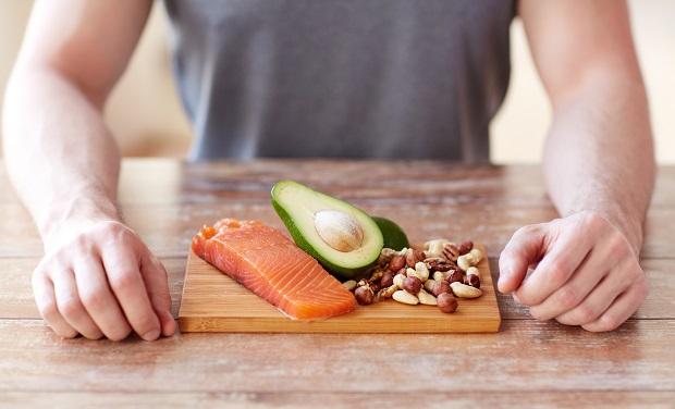 διατροφή με πρωτεΐνη καλοσχηματισμένους κοιλιακούς