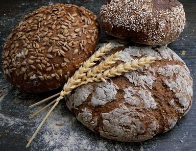 μαυρο ψωμι
