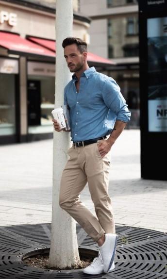 μπεζ chino παντελόνι μπλε πουκάμισο κομμάτια καλοκαιρινή ντουλάπα