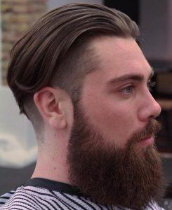 ανδρικό κούρεμα με μακρύ μαλλί