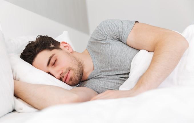 ύπνος σημαντικός για ξεκούραση σώματος