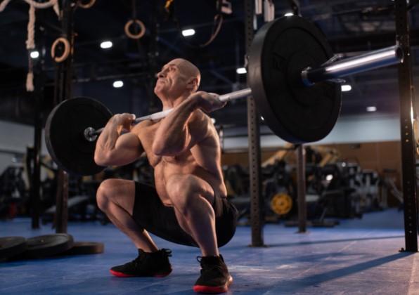 βελτίωσε την αναλογία βάρους κιλών αθλητή - κιλών άσκησης
