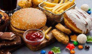burger κέτσαπ πατάτες ντόνατ