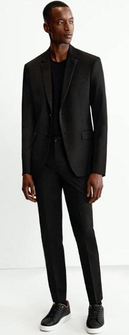 μαύρο σακάκι με v γιακά