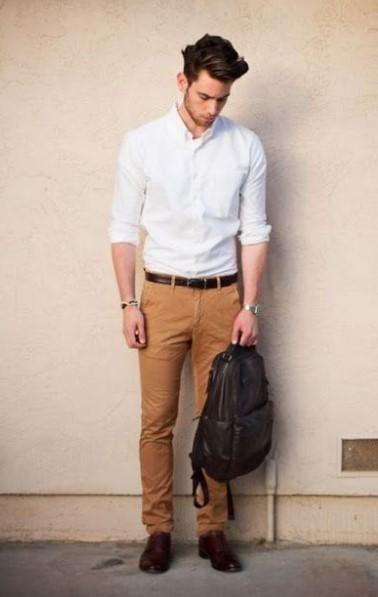 chino παντελόνι μπεζ πουκάμισο παντελόνια άντρας πρέπει έχει