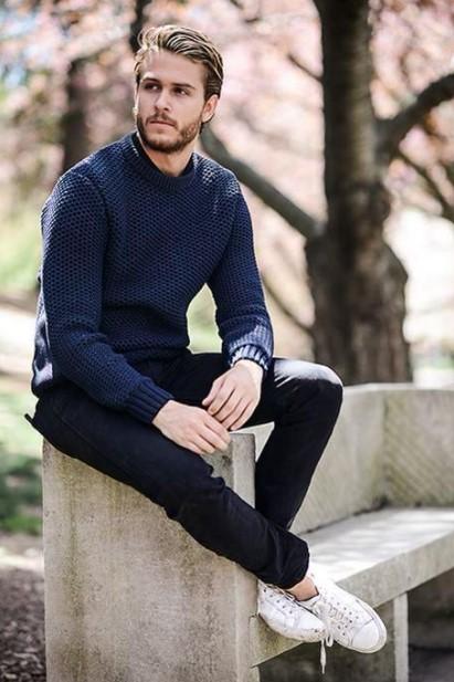 τζιν παντελόνι μπλε πουλόβερ