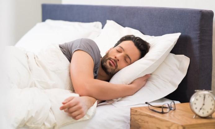 ανετο κρεβατι για υπνο