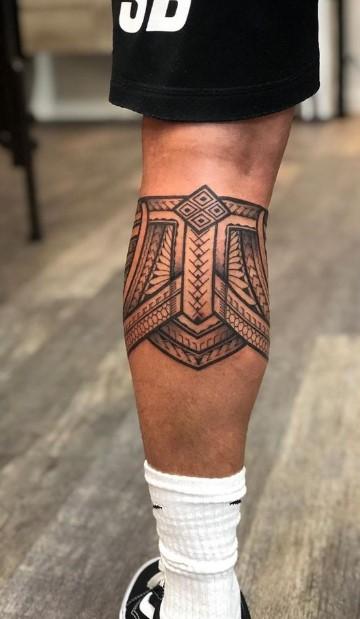 αντρικό τατουάζ γάμπας