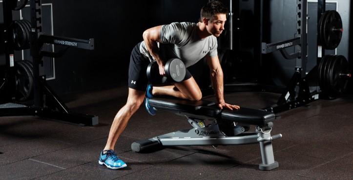 Ασκήσεις για πλάτη: bend-over with one arm, ιδανική για απομόνωση