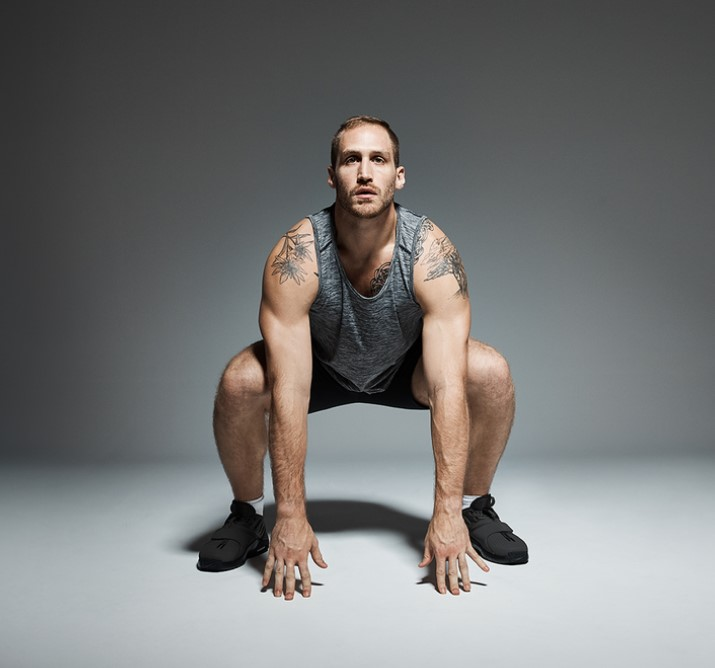 Burpees: ιδανική άσκηση για απώλεια λίπους και εκγύμναση κορμού, αποτελείται από ένα κάθισμα, μία κάμψη και μετά ένα jump