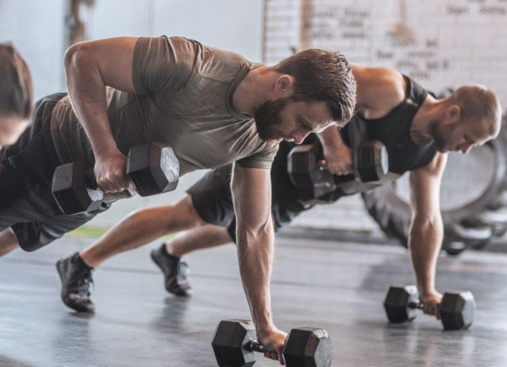 Έντονα προγράμματα γυμναστικής-hiit training-crossfit
