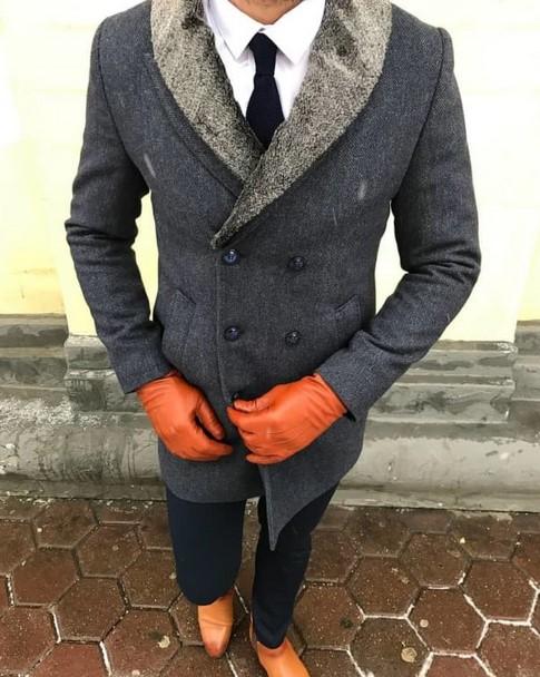 γκρι και πορτοκαλι ανδρικο ντυσιμο