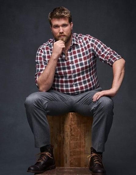 γκρι παντελόνι καρό πουκάμισο