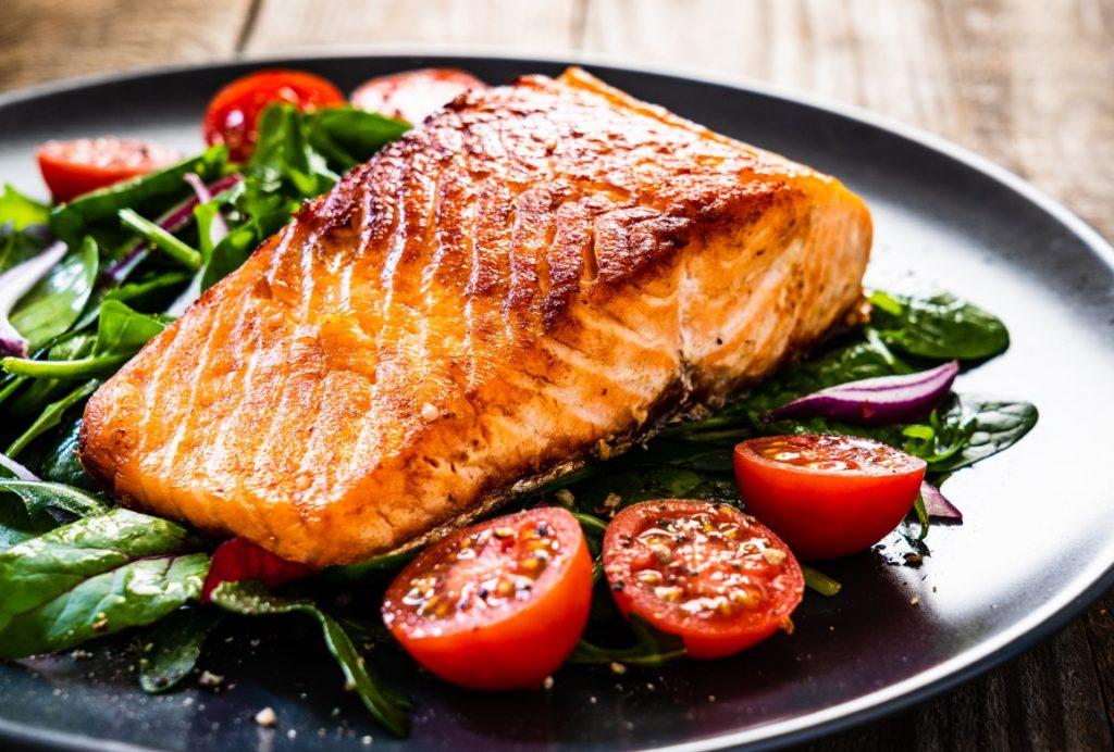 Σολομός: πηγή πρωτείων, ωφέλιμων λιπαρών