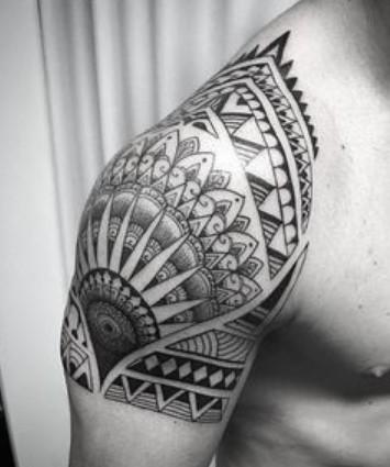 τατουάζ ώμου