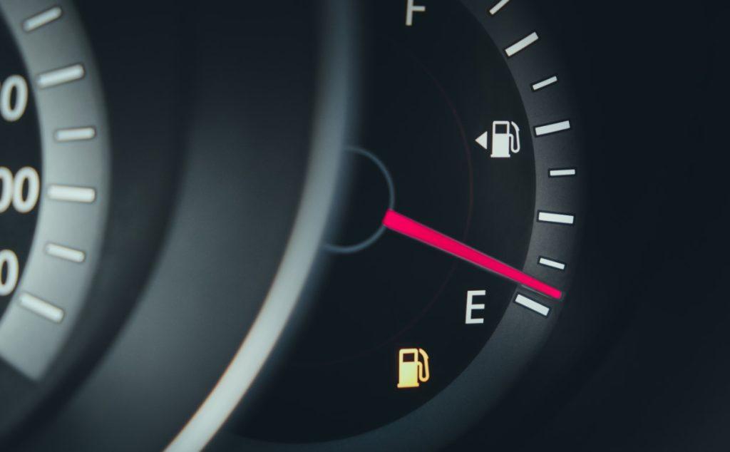Χαμηλά επίπεδα βενζίνης ή πετρελαίου