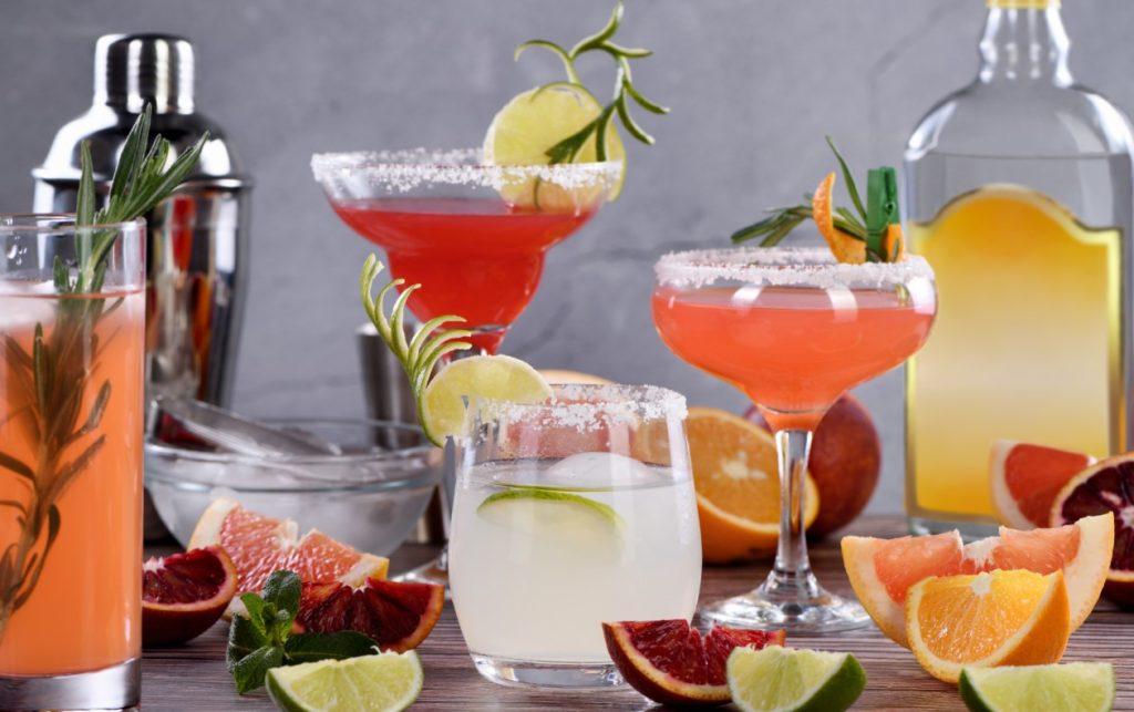 Ποτό με βάση την τεκίλα ή κοκτέιλ δίνουν την εντύπωση ότι αγαπάς την ζωή
