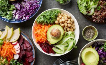 Η vegan διατροφή: μας βοηθάει στο να ρυθμίζουμε το βάρος μας και την δίαιτά μας-λαχανικά-όσπρια-avocado-υγιεινό γεύμα
