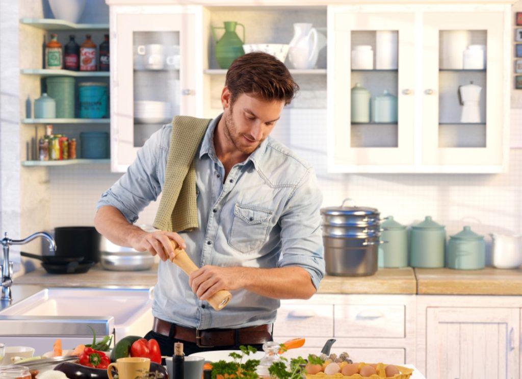 Άνδρας που μαγειρεύει
