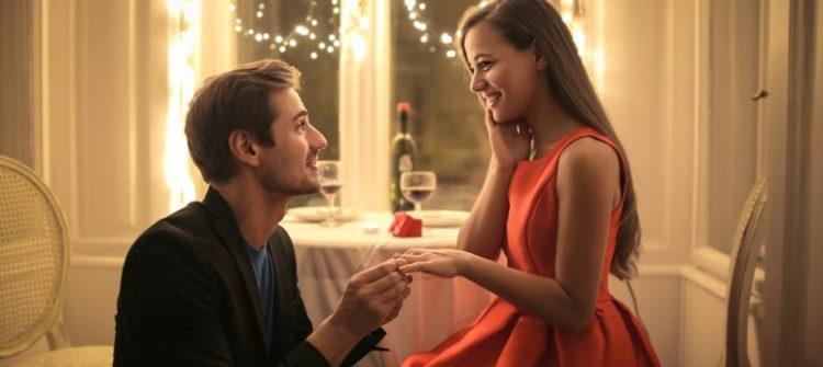 πρόταση γάμου δείπνο