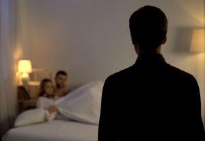 γαυναικα απαταει τον άνδρα της