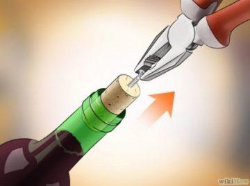 Πένσα και βίδα αν θες να ανοίξεις το μπουκάλι κρασί σου και δεν έχεις τιρμπουσόν