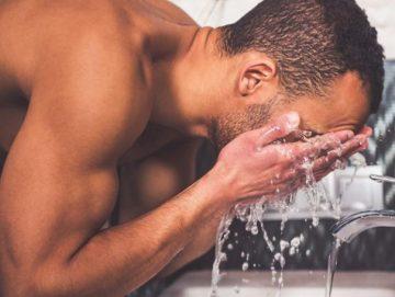 πλύσου καλά με δροσερό νερό