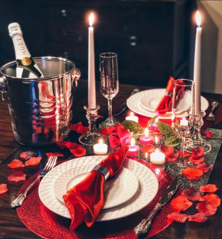 ρομαντικό δείπνο για του αγίου βαλεντίνου