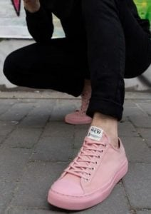 ροζ παπουτσια the-man.gr