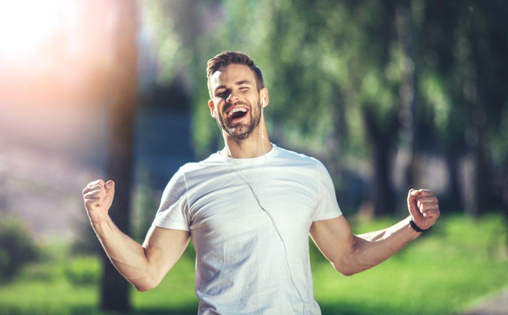 Τα οφέλη της πρωινής γυμναστικής: έχει ενέργεια και κίνητρο