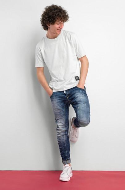 γυρισμένο τζιν άσπρη μπλούζα Cosi jeans άνοιξη- καλοκαίρι 2021