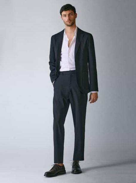 μαύρο κοστούμι Massimo Dutti καλοκαίρι 2021