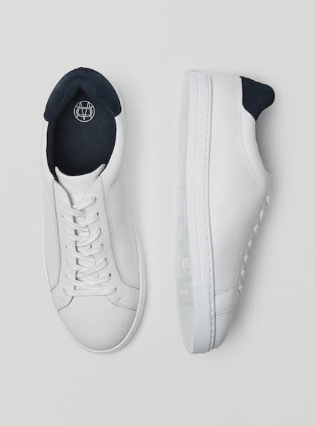 λευκά sneakers μπλε λεπτομέρειες Massimo Dutti καλοκαίρι 2021